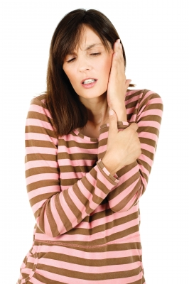 La Otitis Externa Difusa es la infección bacteriana de la piel del oído externo. Se produce por la entrada de agua contaminada sobre todo en oídos predispuestos por su forma a acumular agua durante unas horas tras los baños