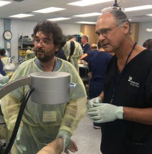 El traumatólogo del Centro Médico Sendagrup de San Sebastián Dr. Gaspar De la Herran con el director del Miami Hands and Upper Extremity Institute Dr. Orbay
